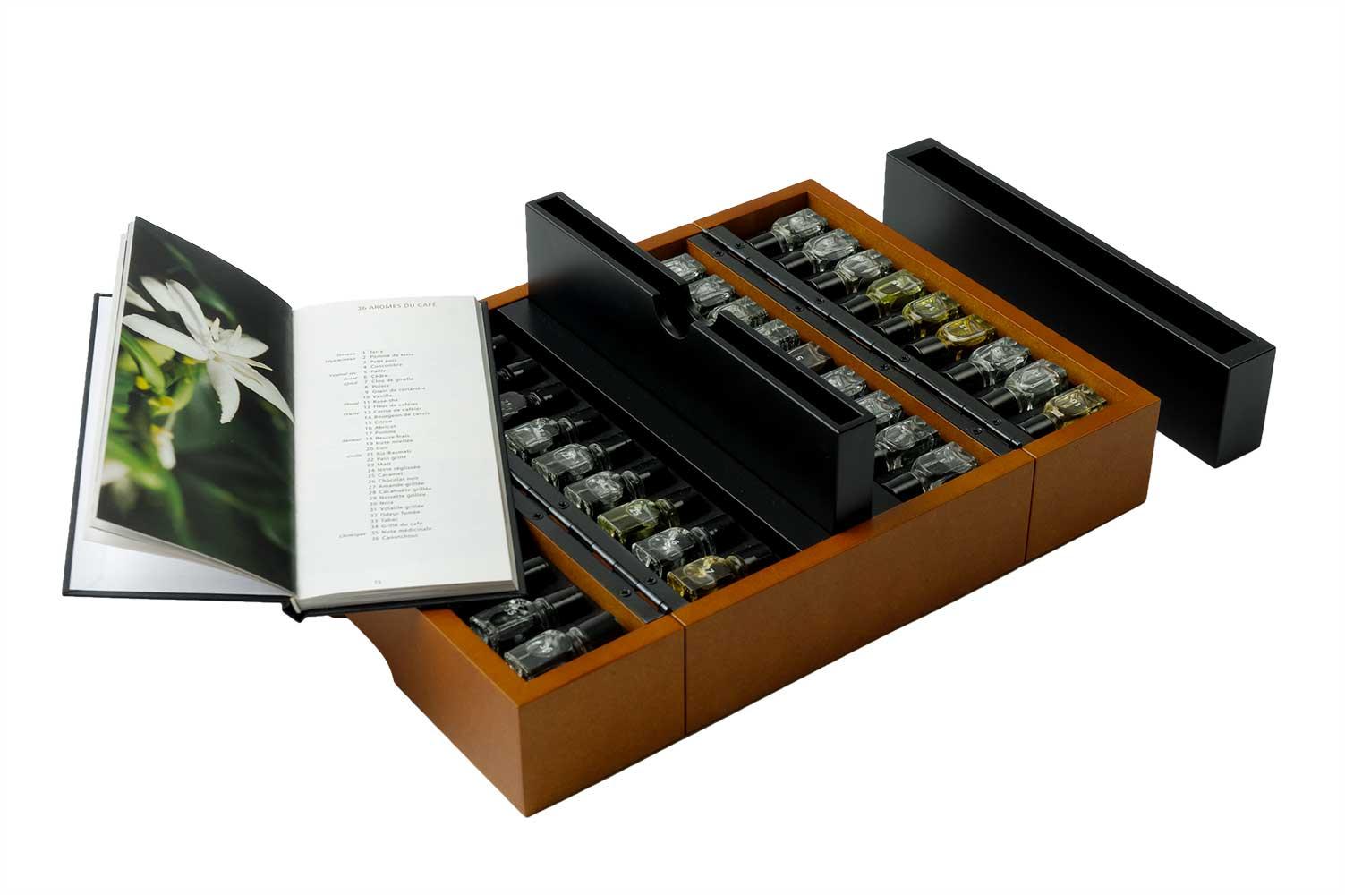 Комплект с 36 аромата